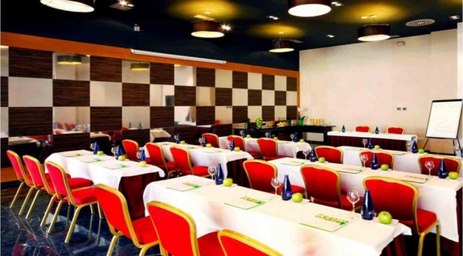 Sala de reuniones y conferencias en Holiday Inn Las Tablas