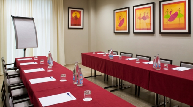 Sala de reuniones y conferencias en Holiday Inn Express Bilbao