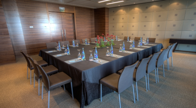 Sala de reuniones y conferencias en Eurostars Madrid Tower