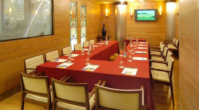 Sala de reuniones y conferencias en Evenia Rocafort