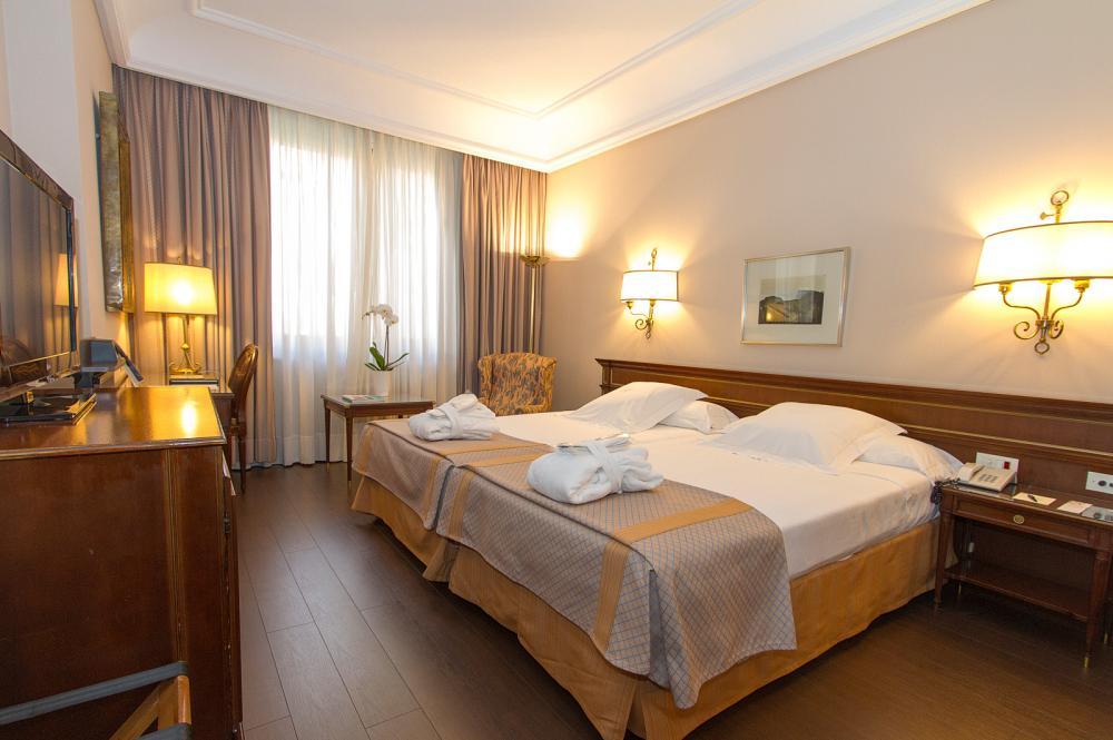 Sala De Reuniones Y Conferencias En Hotel Miguel Angel