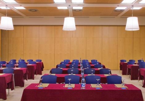 Sala de reuniones y conferencias en hotel silken puerta valencia valencia alquiler por horas - Silken puerta de valencia ...